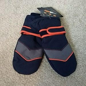 NWT Children's Place toddler mittens (4T- 5T)